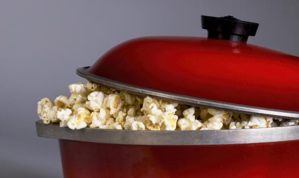 Med 'røven på kogepladen' og popcorn über alles
