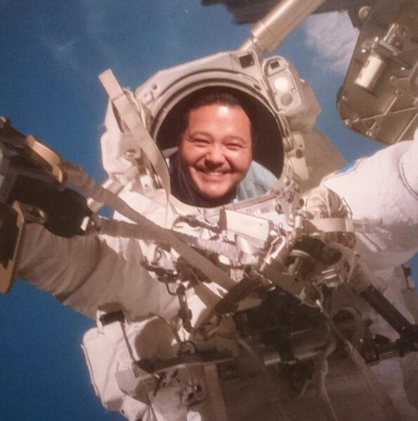 Jan Ánike Nikolajsen, som er ny Lead Design Engineer i FRECON, har som ph.d.-studerende forsket indenfor bremsesejl til satellitter i rummet.