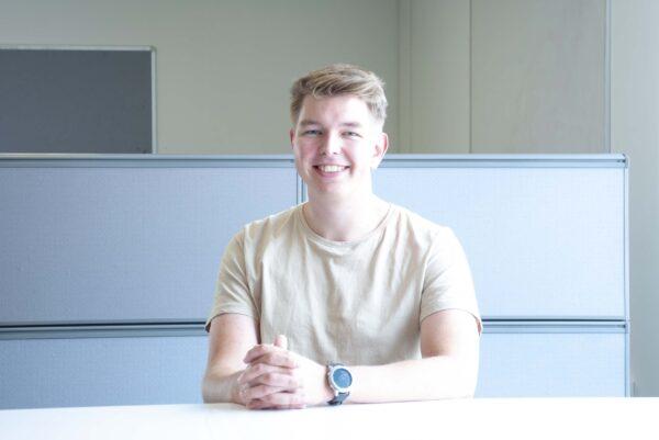 Magnus Melbye Larsen er praktikant i FRECON i Horsens, men bor og studerer i Aalborg.